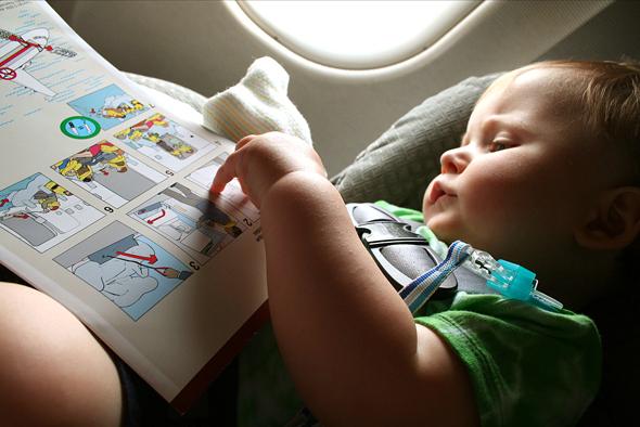 travel-blog-traveling-baby-plane-3